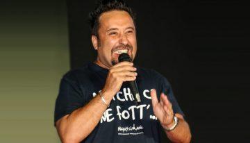 Alessandro Bolide: Un Super Eroe che con la risata si sente più forte