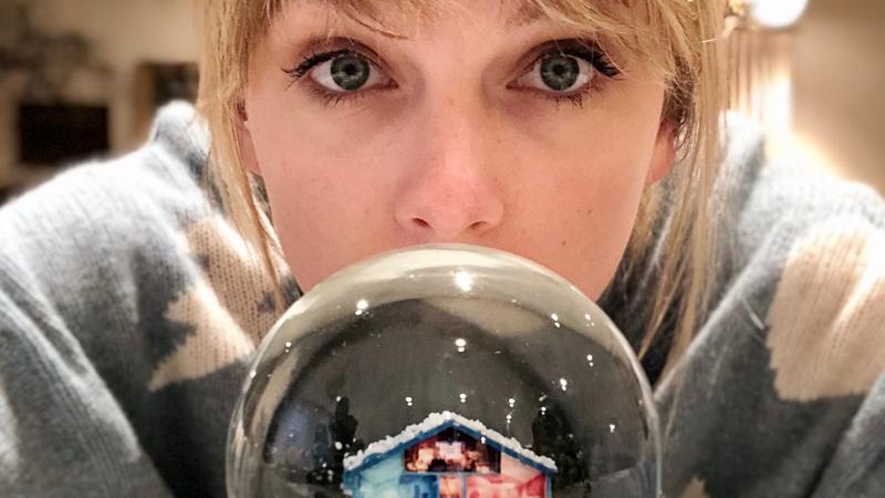 Taylor Swift esce oggi, Venerdì 6 Dicembre, Il nuovo singolo Natalizio Christmas Tree Farm