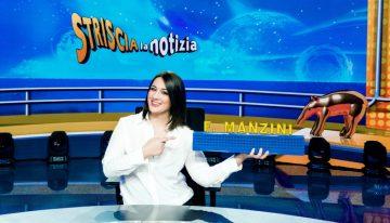Francesca Manzini debutta dietro al bancone di Striscia la Notizia otizia