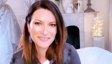 """Laura Pausini: """"Siamo forti e lo ammazzeremo questo virus"""""""